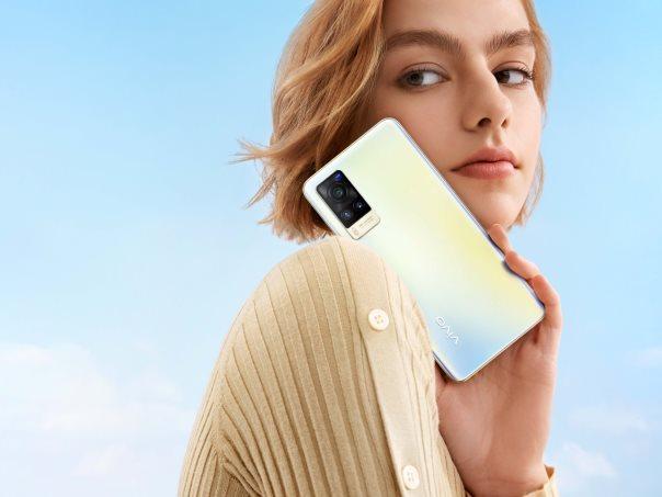 最厚仅7.36mm  vivo  X60成全球最薄5G手机